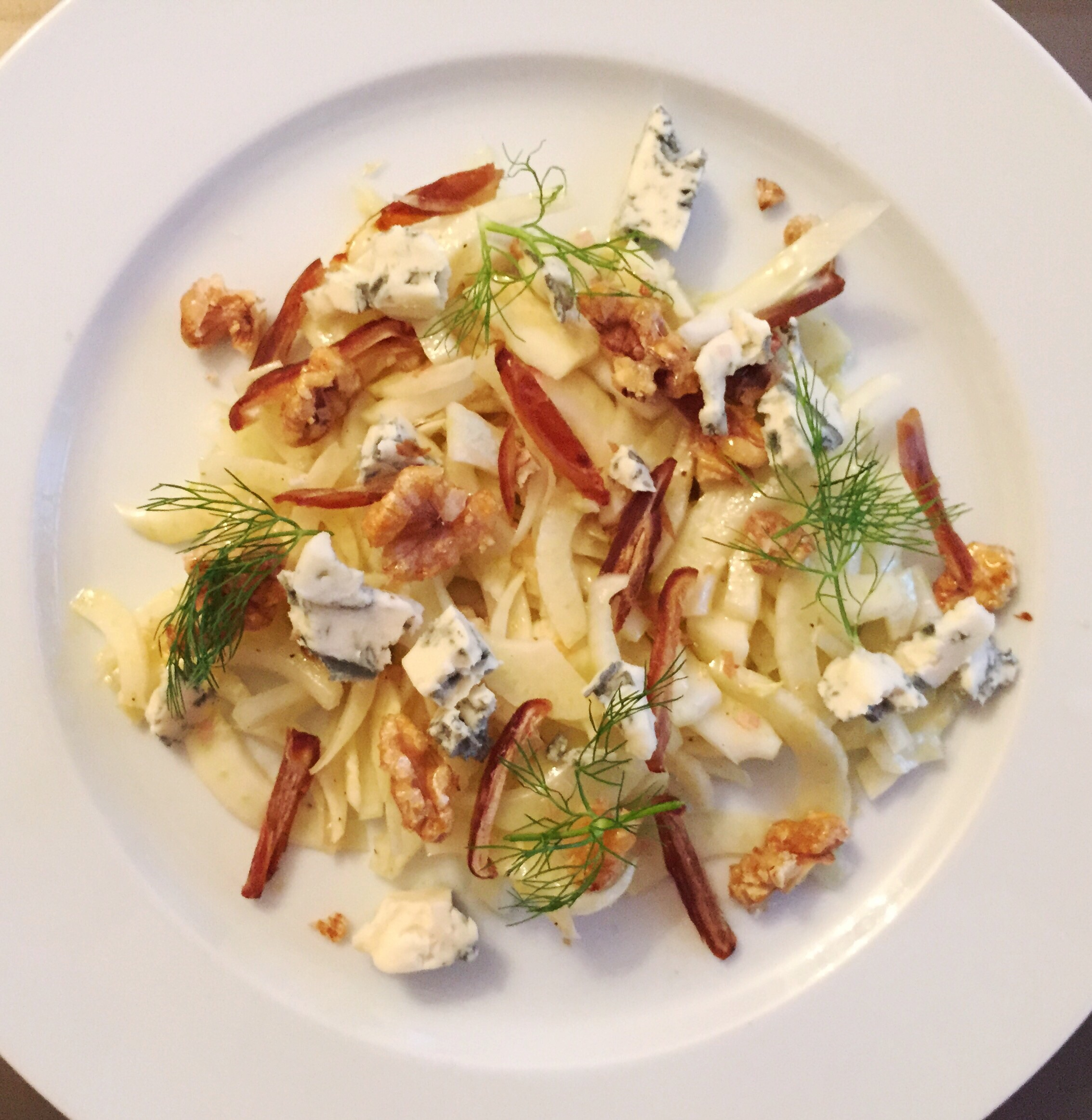 FENNEL SALAD WITH BLUE CHEESE