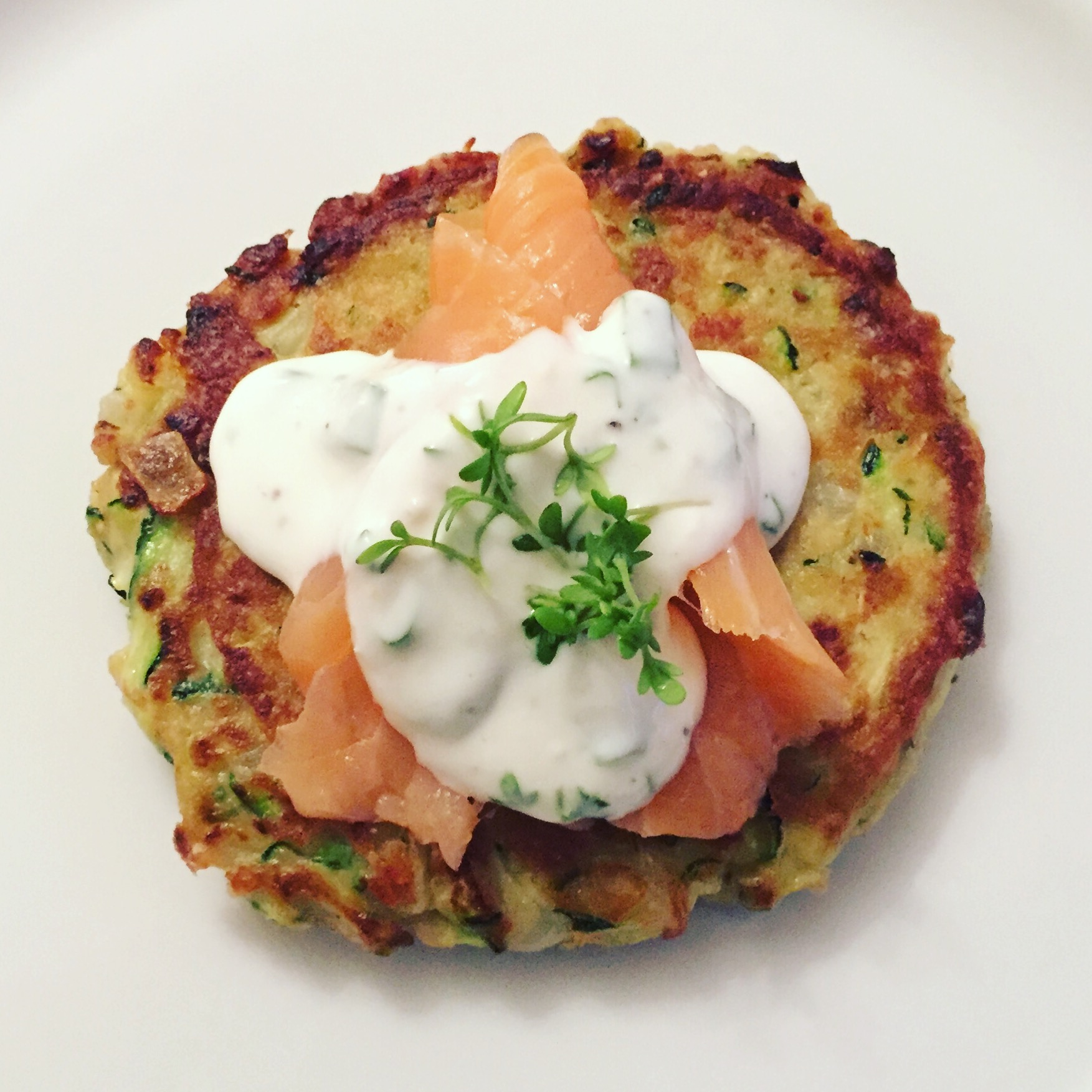 LOW CARB FRITTERS WITH SMOKED SALMON AND HORSERADISH YOGURT